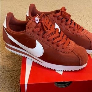 Firewood Orangesail Nike Cortez
